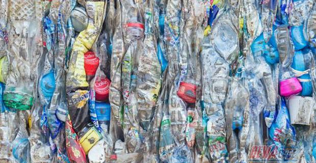 Sampah Plastik Disulap Menjadi Bahan Bakar Diesel